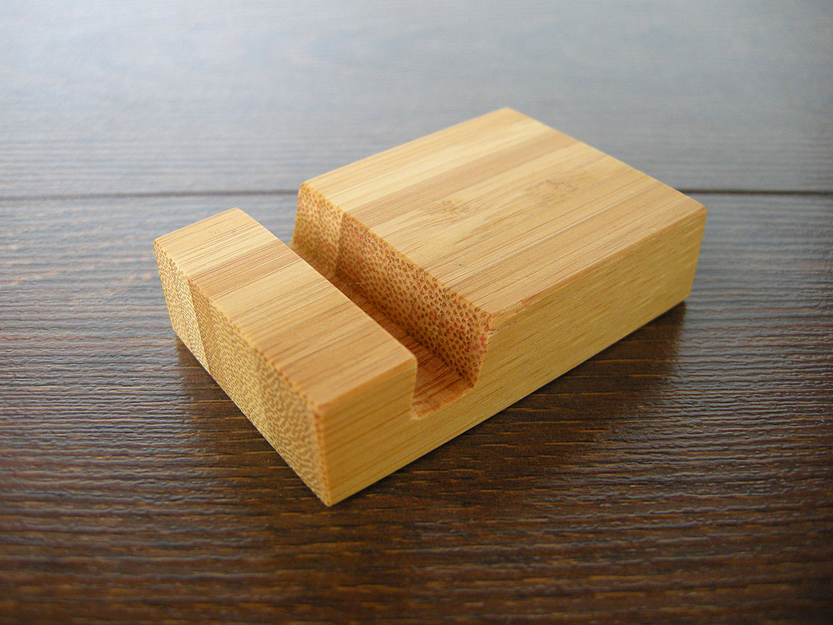 Bamboo Iphone Stand Tiny 08