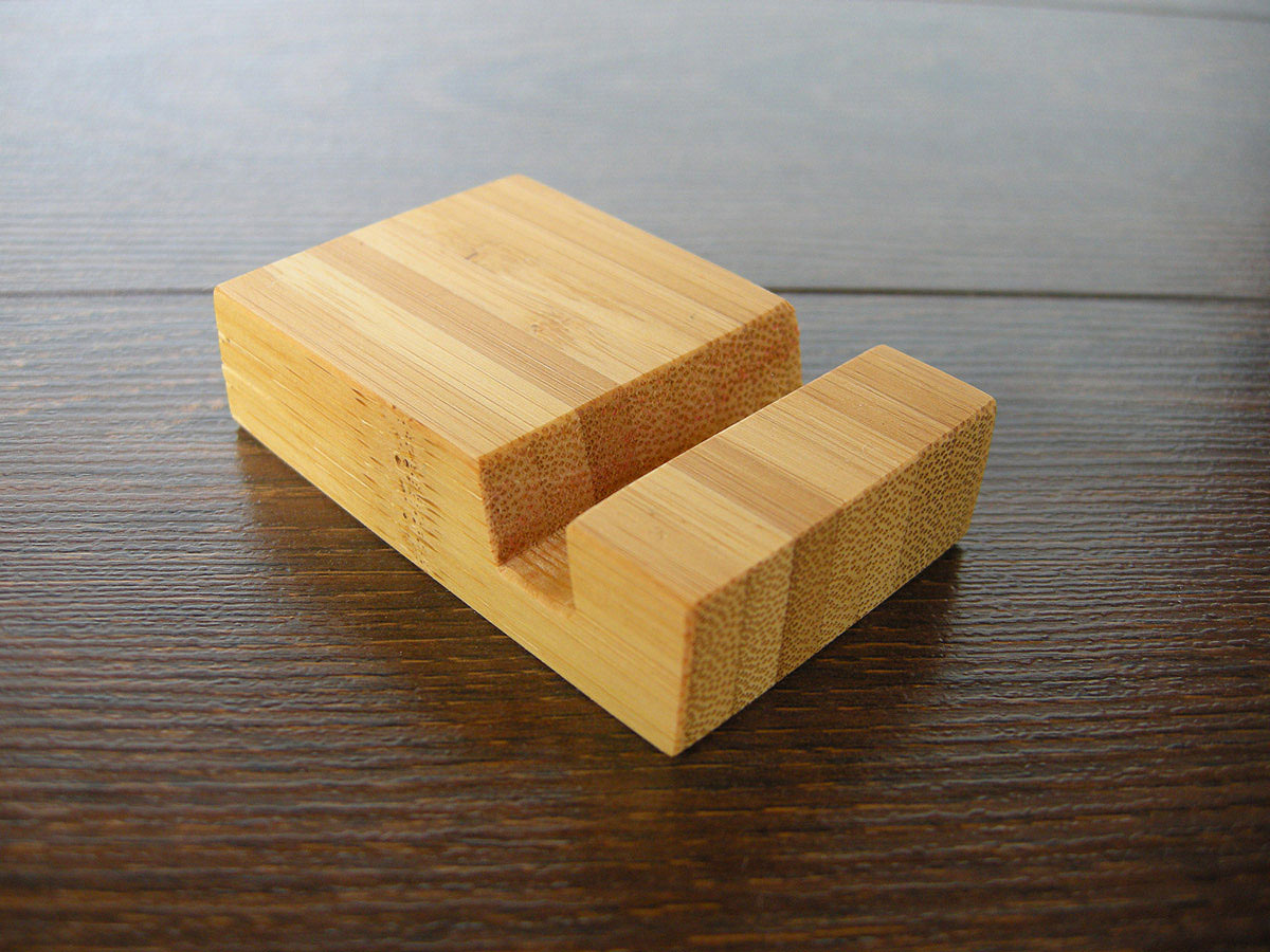 Bamboo Iphone Stand Tiny 09