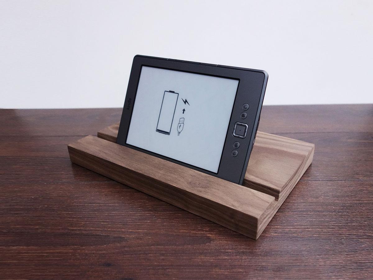 Wood Ipad Stand 2415 Walnut 01