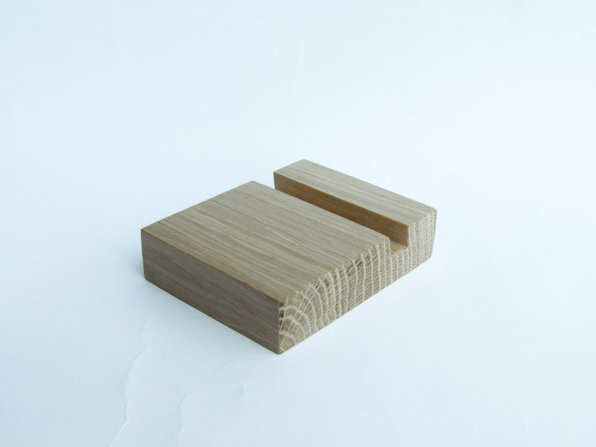 Oak Iphone Stand 04