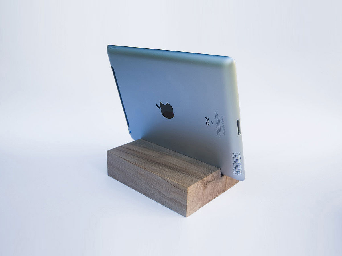 ipad air 2 docking station ipad dock walnut wood magowood. Black Bedroom Furniture Sets. Home Design Ideas