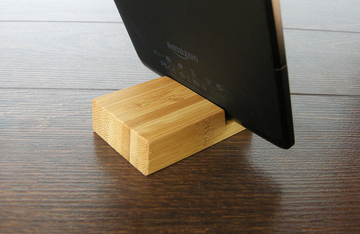 Bamboo Iphone Stand Tiny 03