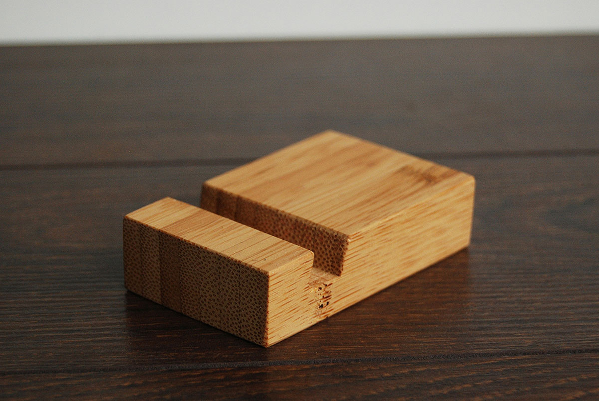 Bamboo Iphone Stand Tiny 04