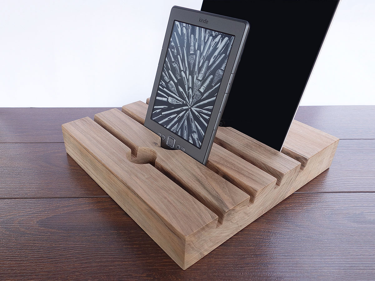 4 Slots Wood IPad Docking Station. 4 Slot Charging Station From Walnut