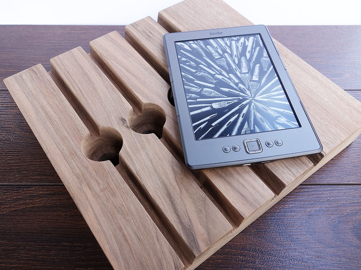 Large Wood Charging Station 03