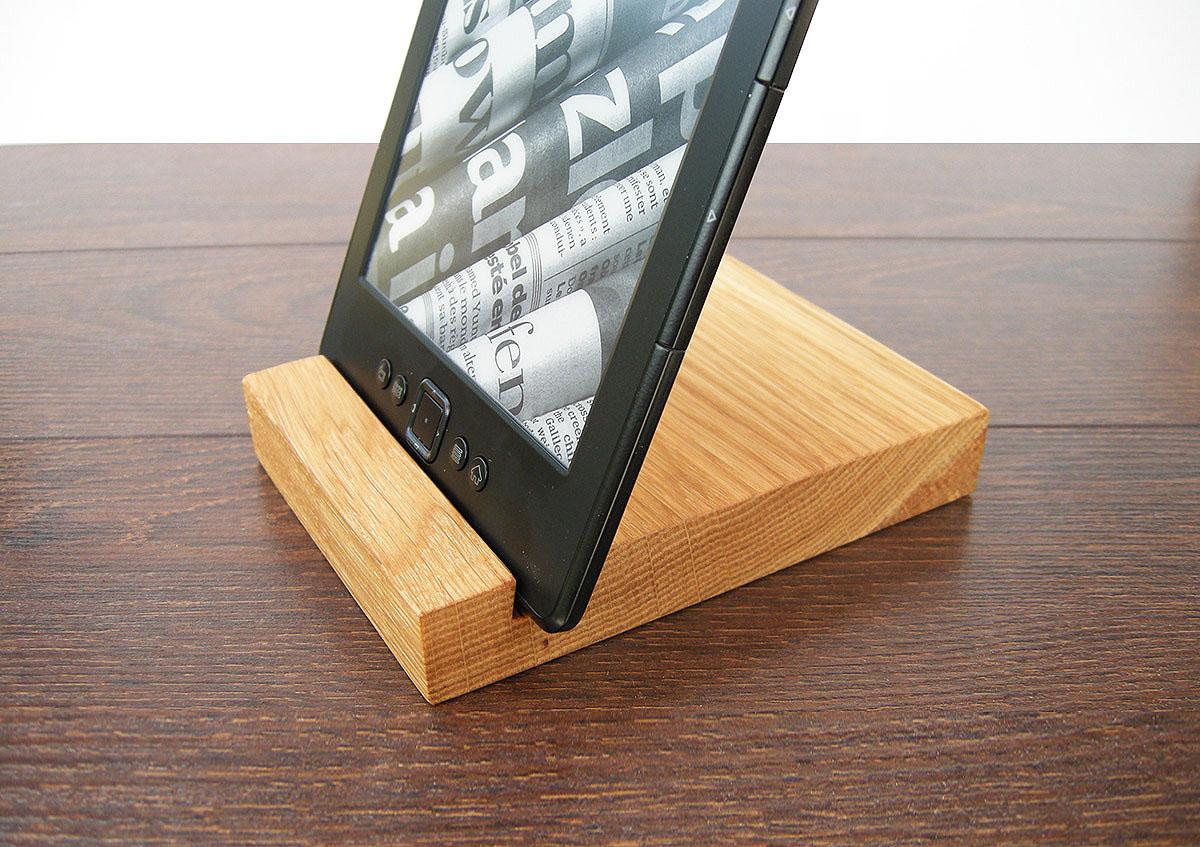 Wood Ipad Stand 1310 Oak 02