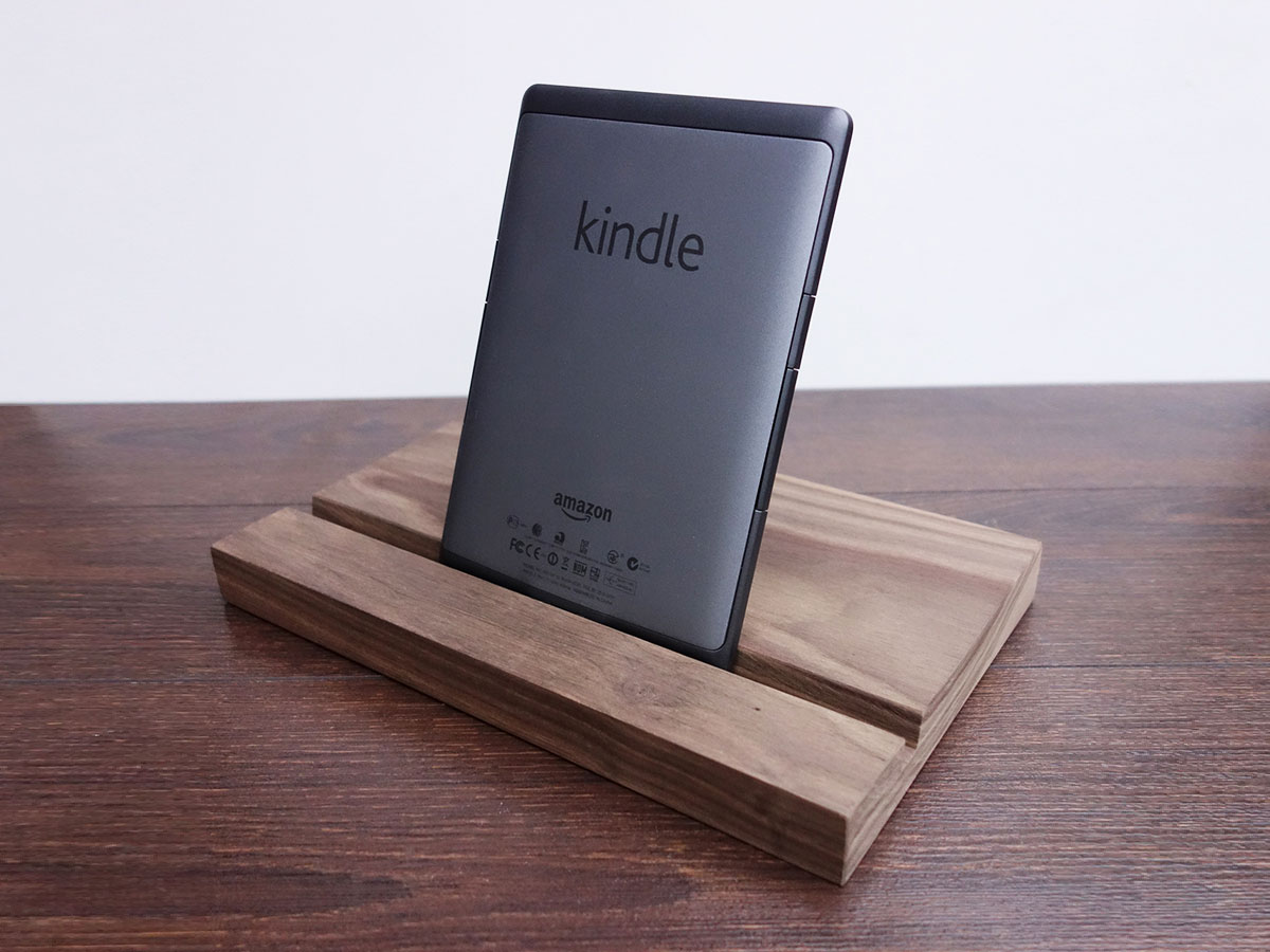 Wood Ipad Stand 2415 Walnut 02
