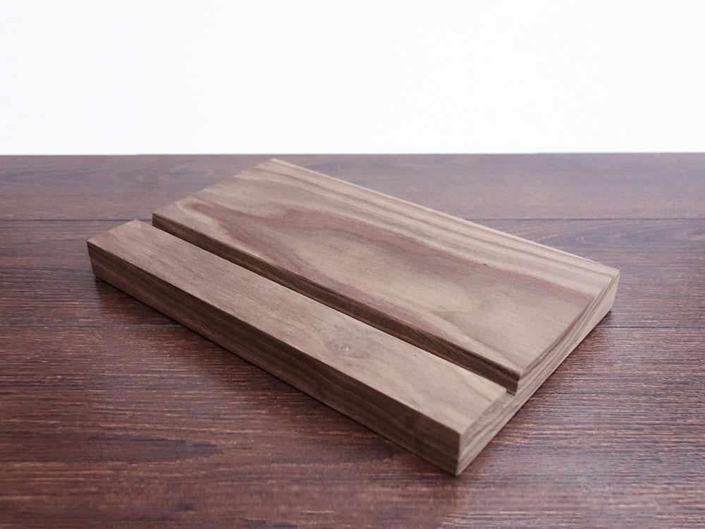 Wood Ipad Stand 2415 Walnut 04