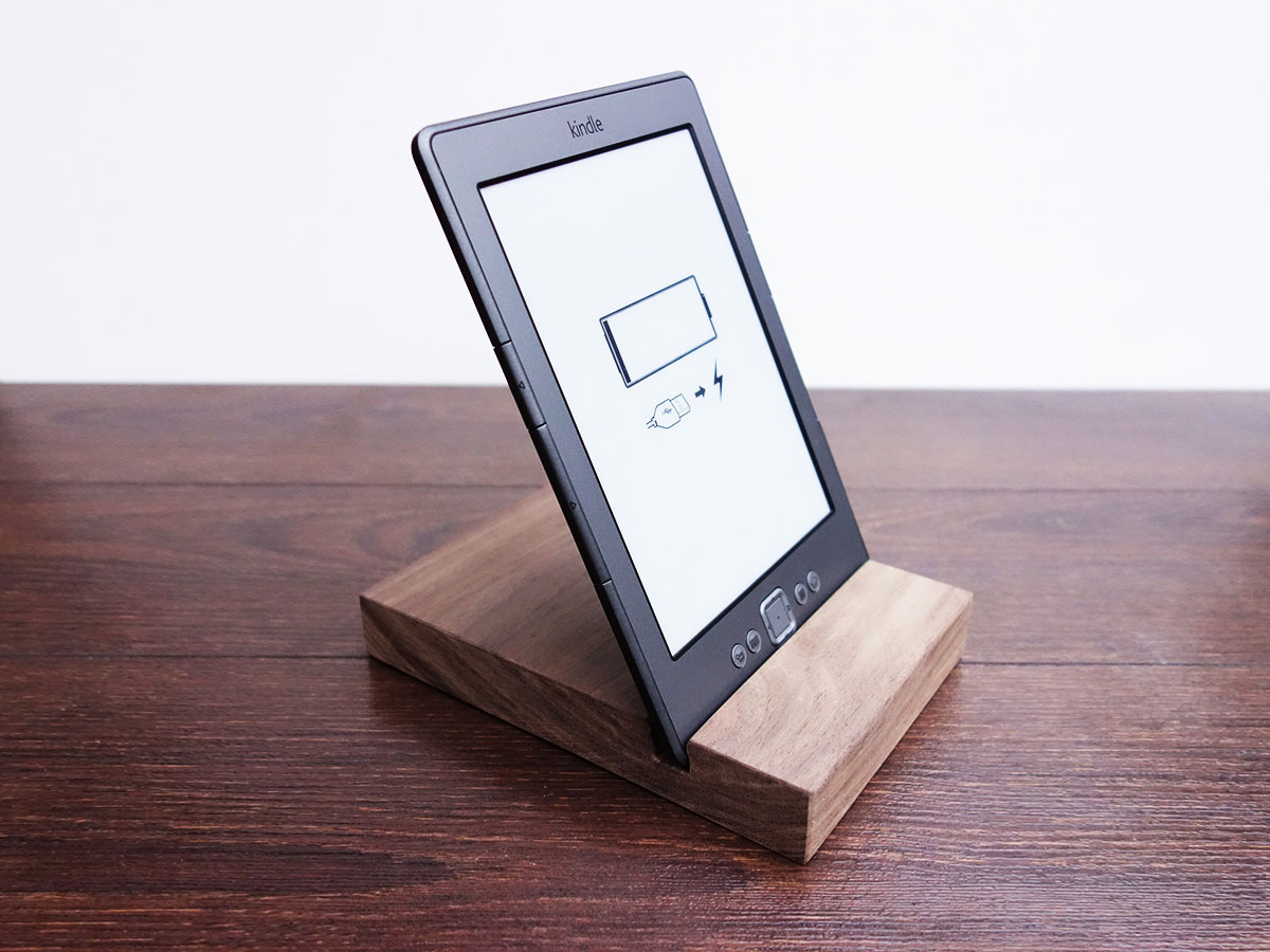 Wood Ipad Stand 97 Walnut 02