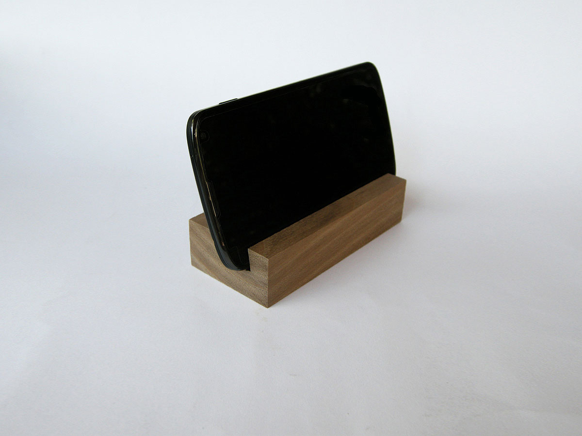 Wood Iphone Stand 59 Walnut 01