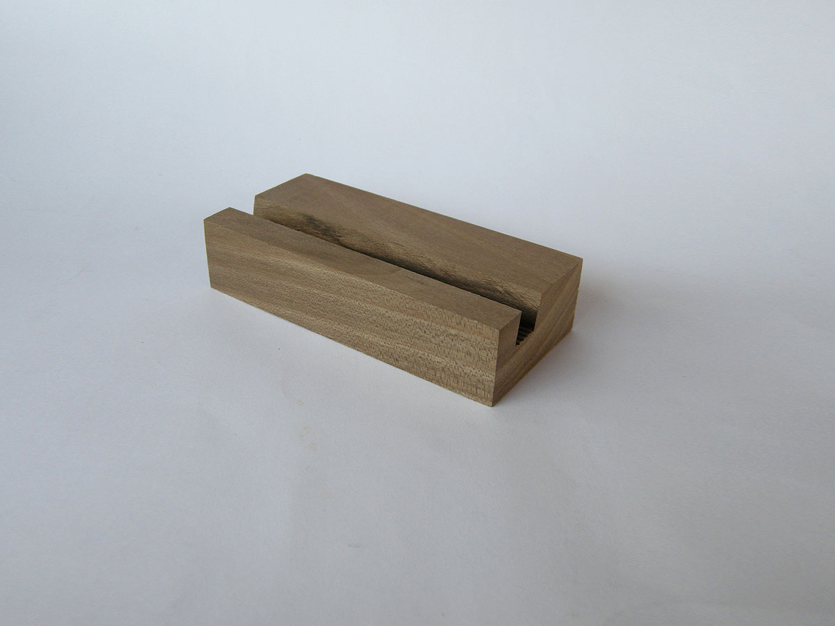 Wood Iphone Stand 59 Walnut 02