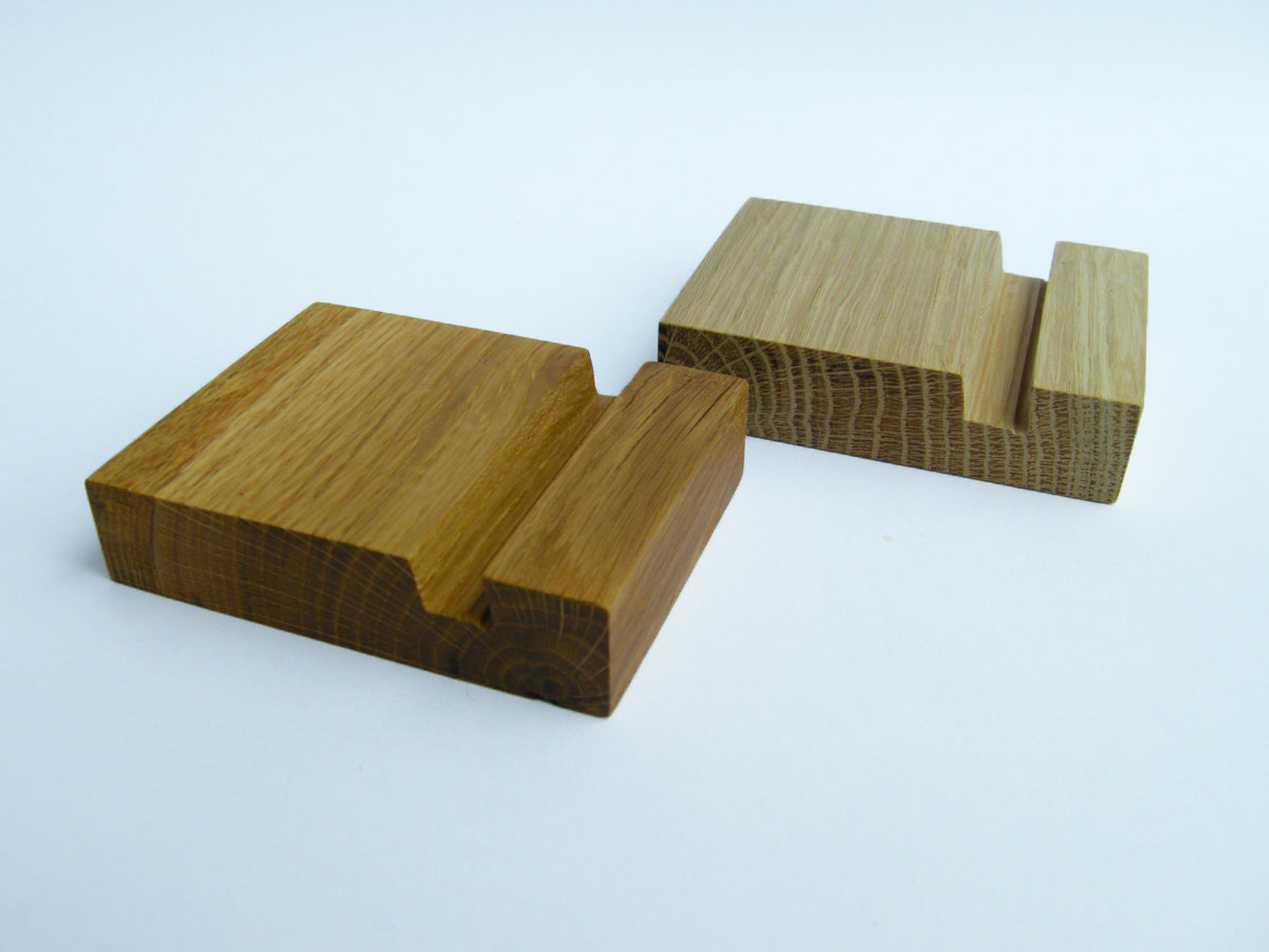 Oak Iphone Stand 06