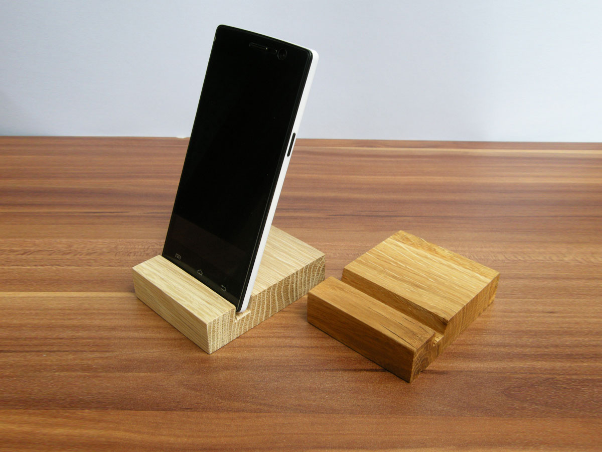 Oak Iphone Stand 08
