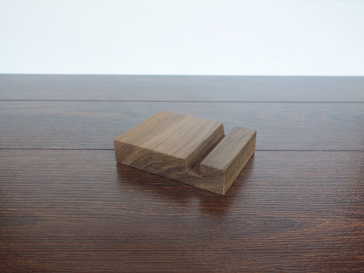Wood Iphone Stand W04