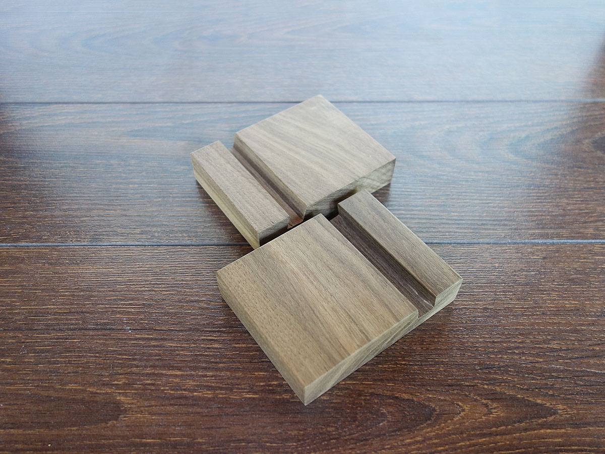 Wood Iphone Stand W05